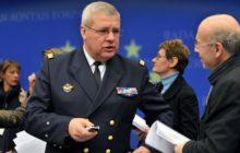 lamiral Labonne avec votre serviteur (crédit : Conseil UE)