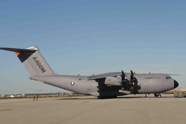 Toucher l'Airbus A400M, en vrai, c'est possible…