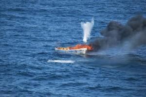 L'Amsterdam a détruit un bateau-mère pirate