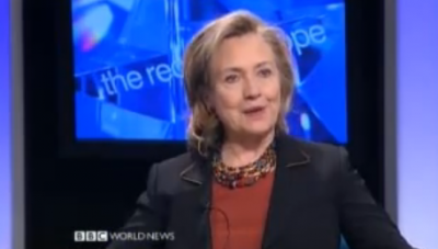 Le pouvoir d'influence de l'Europe, expliqué «pour les nuls», par Hillary Clinton
