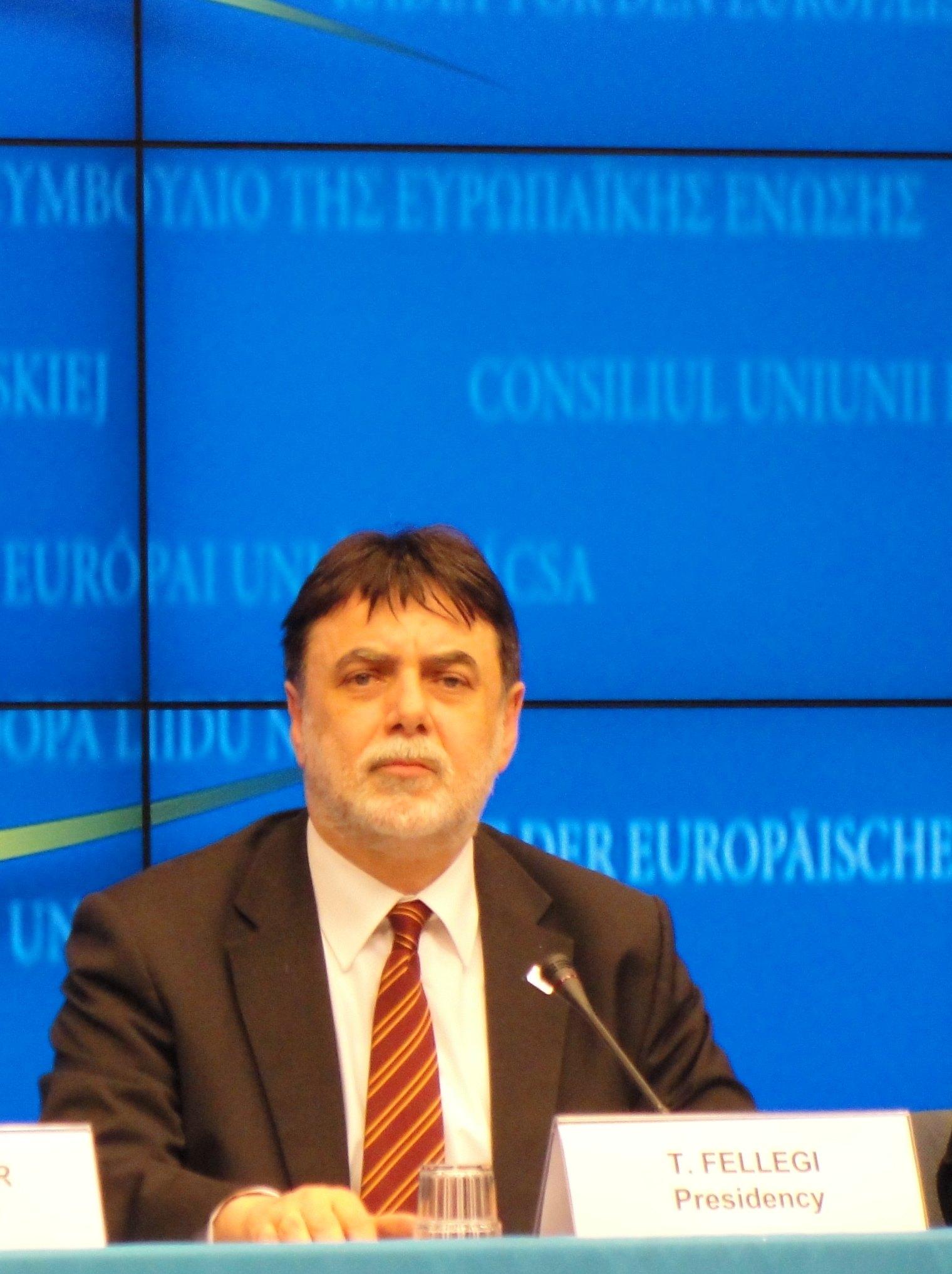 L'UE adopte les sanctions contre la Libye, plus larges que celles de l'ONU (maj2)