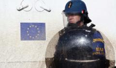 8 + 1 personnes arrêtées pour crimes de guerre au Kosovo. Non sans difficultés