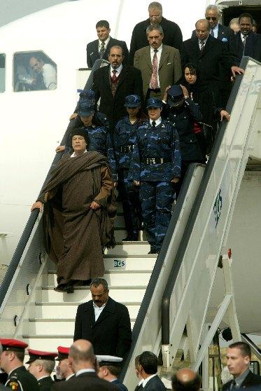 Qu'est-ce qui peut faire courir Sarkozy ? Ses dix «bonnes» raisons d'intervenir en Libye