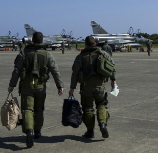 Les frappes de l'OTAN en Libye : plus efficaces, mieux ciblées