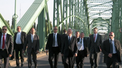 Hongrie & Slovaquie. L'avocat général de la Cour précise le statut du chef de l'Etat dans l'UE