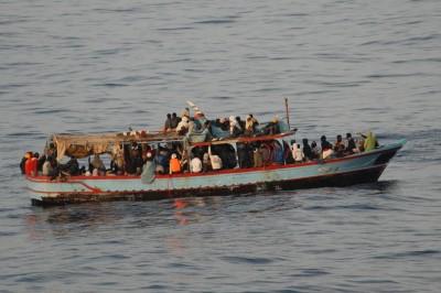«Boat people» en Méditerranée: l'OTAN dément, les pays se renvoient la balle