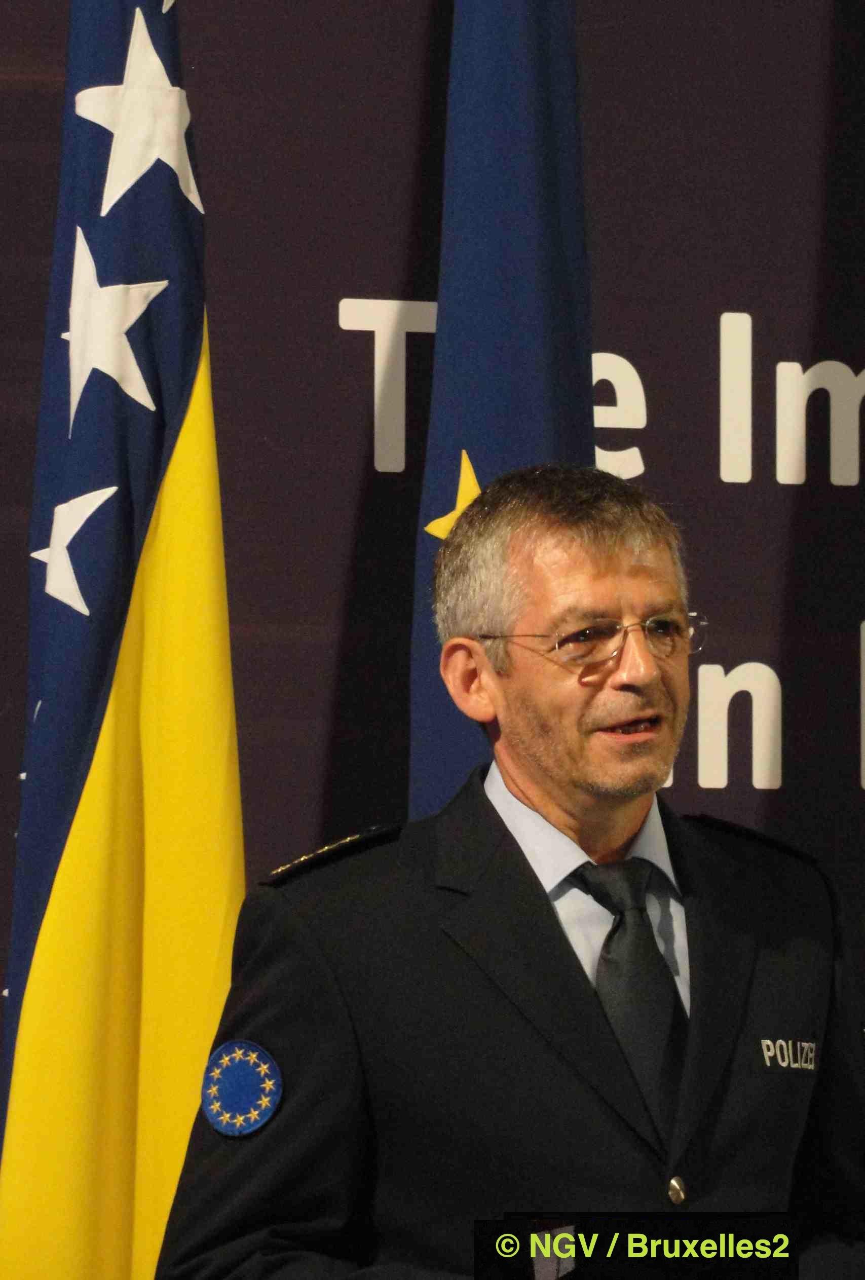 Première leçon de dix ans de mission de police en Bosnie (Stefan Feller)