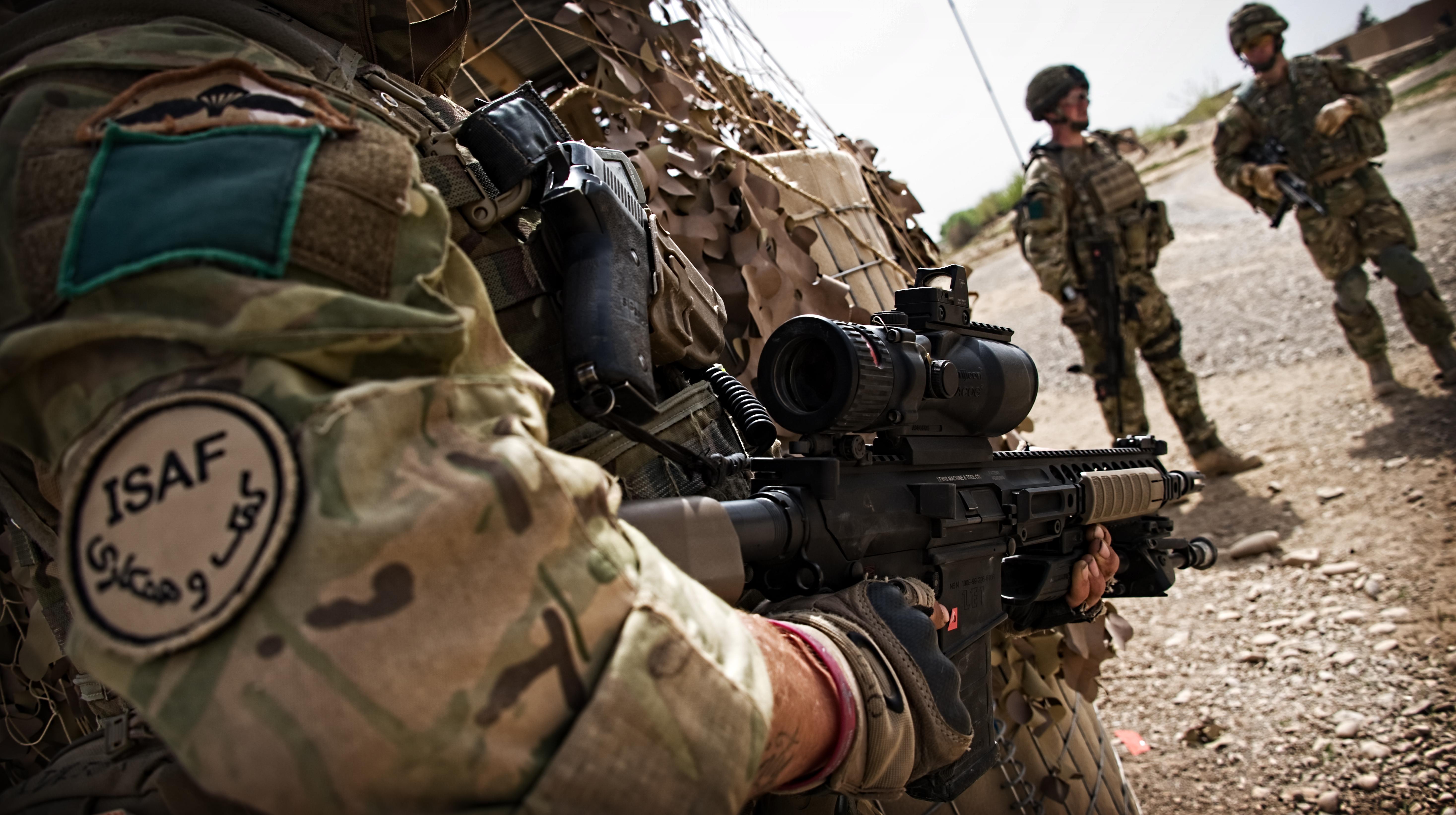 L'attaque des talibans sur Camp Bastion cloue 8 avions au sol