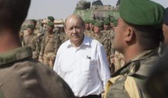 Salut aux troupes pour Le Drian au Mali… Une autre bataille attend le MinDef