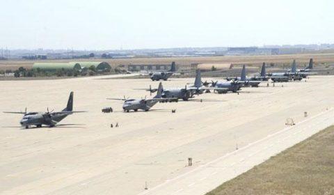 Les avions de transport s'entraînent à Saragosse