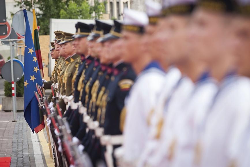 SoldatsLitDrapeauEurop@LT1307023
