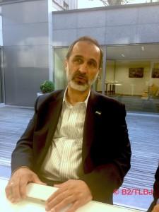 Mouaz al-Khatib avec les journalistes (Crédits: B2/TLBJ)