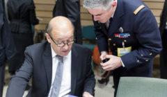 Le ministre Jean-Yves le Drian au dernier conseil des ministres de la Défense, le 19 novembre (© Th. Monass / B2)