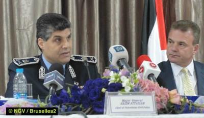 Le major Attalah (Autorité palestinienne) et Ken Deane (EUPOL Copps) (© NGV /Bruxelles2)