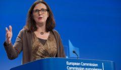 La commissaire répondant à a question de B2 (crédit : Commission européenne)