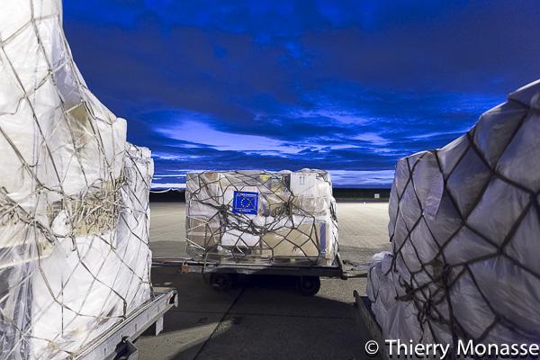 départ de l'aide humanitaire européenne ce dimanche de l'aéroport de Bruxelles-Zaventem (© Th. Monasse / B2)