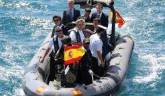 Le Premier ministre M. Rajoy se rend à bord de la frégate espagnole (crédit : marine espagnole)