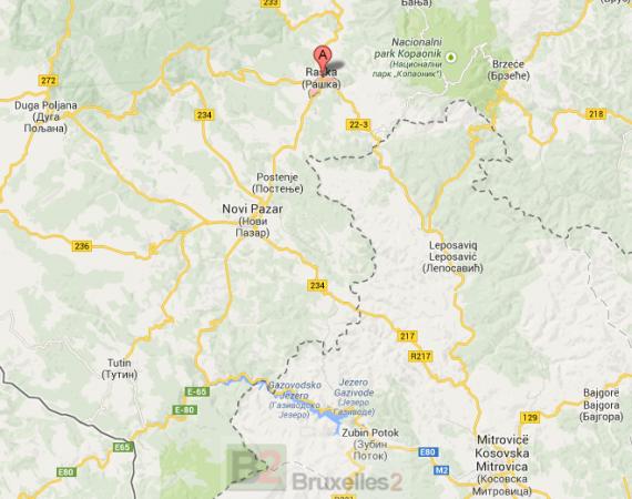 """Le site de Raska où un charnier a été découvert, est situé de l'autre coté de la """"frontière"""" du Kosovo avec la Serbie, près de Novi Pazar (crédit: Carte google)"""