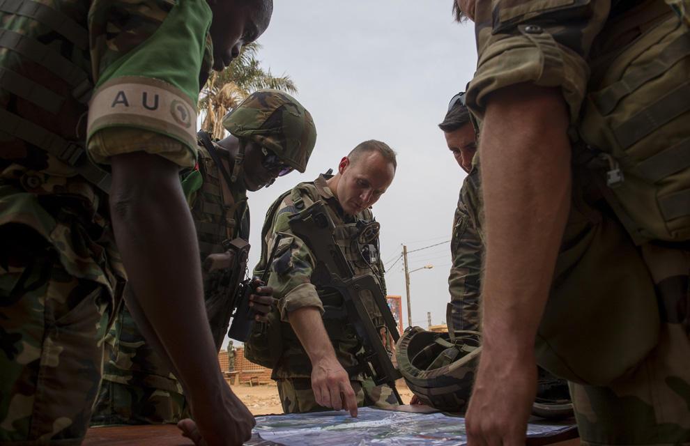 Qui participera à l'opération EUFOR Bangui ? (Suite) Des pays volontaires. On attend le commandant!