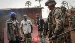 Les Marsouins du 8e RPima à Bossembelé (crédit : Ministère français de la Défense / DICOD)