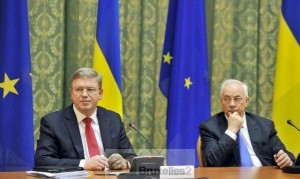Le commissaire à l'Elargissement, Stefan Füle, et le Premier ministre ukranien, Azarov il y a un an (crédit: Commission européenne)