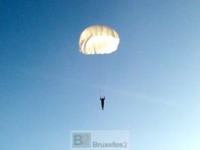 parachutiste de la 80e Brigade en exercice dans la région de Lviv (crédit : armée ukrainienne)