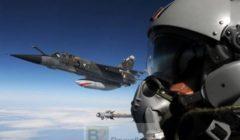 Détachement de Mirage sur le ciel balte à lété (crédit : Ministère français de la Défense / BA118)