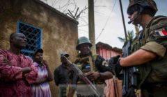 Les Français et Africains un peu seuls en Centrafrique. Européens trainaillent (Crédit : DICOD / Ministère Fr de la Défense)