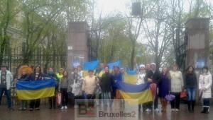 Des manifestants Euromaïdan devant le jardin de la ville, à Odessa  Loreline Merelle@B2