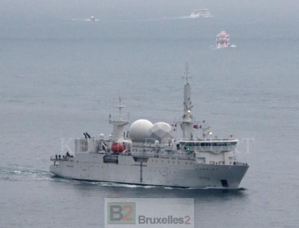 Un navire espion français en balade en Mer noire. Il n'est pas le seul !