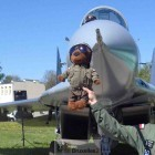 Bogus, la mascotte de la base aérienne - qui accompagnera les militaires polonais en mission en Lituanie (© NGV / B2)
