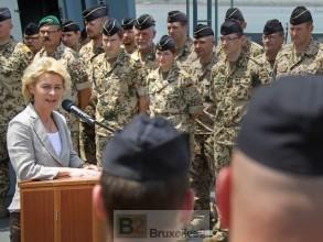 Ursula rend visite à ses troupes engagées dans la lutte anti-piraterie