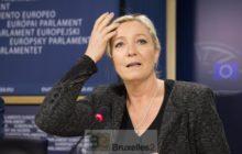 Marine Le Pen annonce le ralliement de 4 partis pour former un groupe, les 2 autres narriveront pas (crédit : Parlement européen, mai 2014)