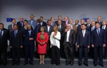 Les 28 ministres des Affaires étrangères attendent, attendent la Haute représentante...