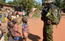 Soldat estonien en patrouille à Bangui début juin (crédit : Eufor RCA)
