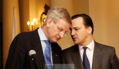 Bildt et Sikorski à Varsovie en 2008 (crédit : MSZ - Min. Aff. étr polonais)