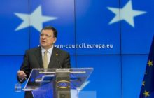 Barroso dans son exercice préféré, explication à la presse après un sommet  des Chefs (crédit : Conseil de lUE)