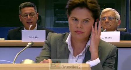Opération pacification au Parlement européen. 1 victime collatérale