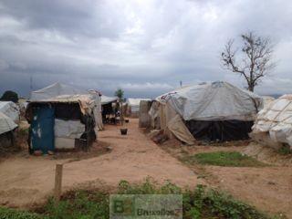 Le camp de déplacés à l'aéroport