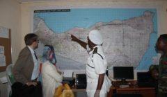 Sur la carte, lamiral  Ahmed Aw-Osman Abdi, chef des gardes-côtes, au Somaliand (crédit : Eucap Nestor)