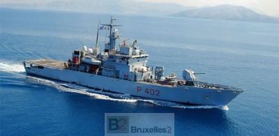 Le Libra en mer (crédit : Marine italienne)