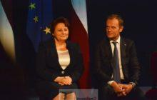 La Première ministre lettone Laimdota Straujuma et le président du Conseil européen Donald Tusk, immobiles ! (crédit : présidence lettone de lUE)