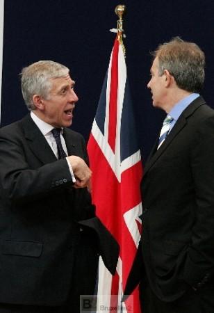 Jack Straw avec Tony Blair lors de la présidence britannique de l'UE (photothèque de la Commission européenne)