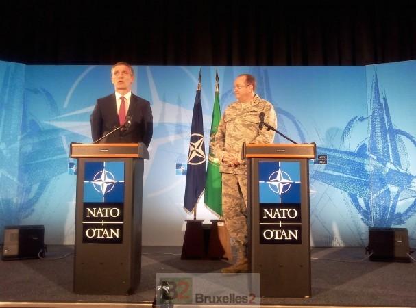 Le Secrétaire général Stoltenberg et le général Breedlove, mercredi matin au Shape (© NGV / B2)