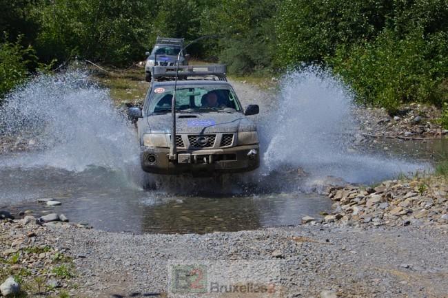 véhicules d'EUMM Georgia en déplacement (crédit : EUMM Georgia)