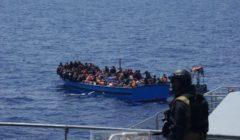 Le patrouilleur islandais Tyr au moment du sauvetage au large des côtes libyennes (crédit : Gardes-Côtes islandais)