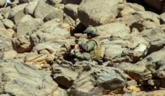 Un soldat français dans lAdrar des Ifoghas, au nord mali (crédit : DICOD / EMA - archives B2)