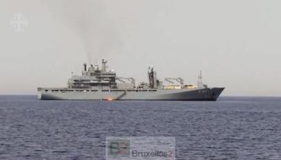 """Le navire de soutien """"Berlin"""" en opération de sauvetage en Méditerranée (crédit : marine allemande)"""