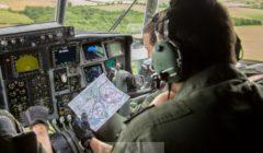 Lecture ditinéraire dans le cockpitt (crédit : EATC)