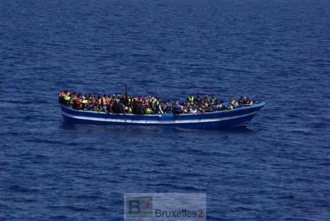 En Méditerranée, on détruit déjà les navires utilisés par les trafiquants